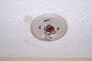 Smoke alarm connection